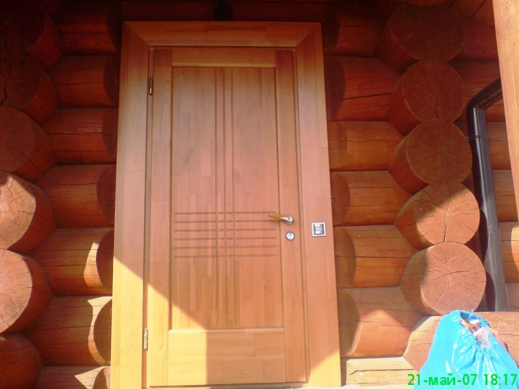 элитные входные двери из сосны для